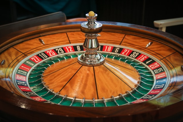 Reasons to Play Roulette in Online Casinos